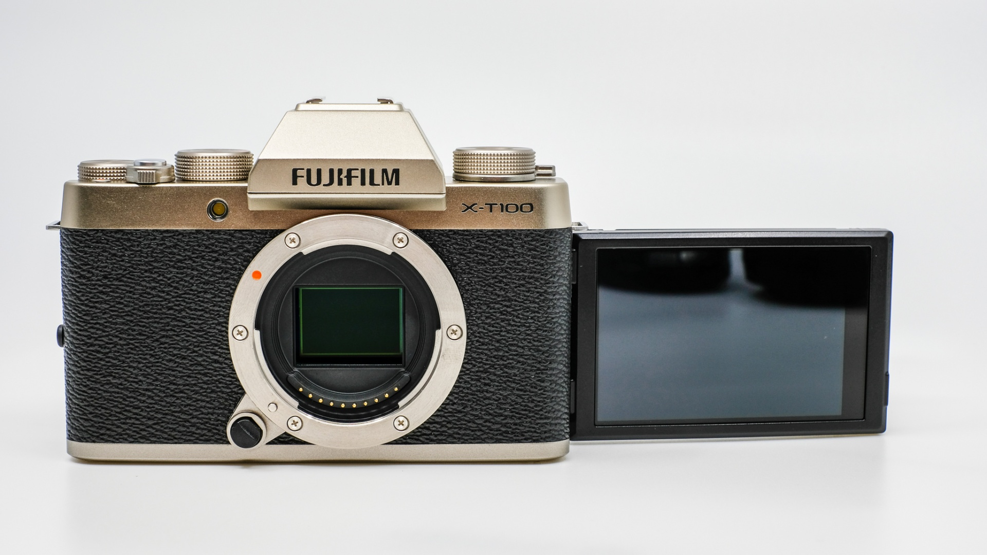 One of the most informative review of the Fujifilm X-T100